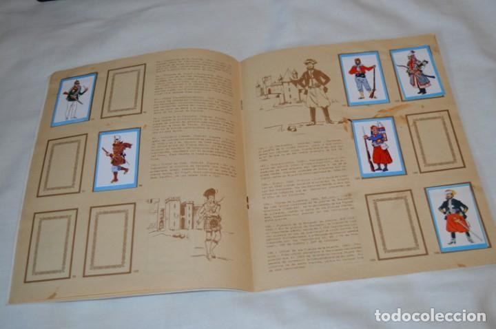 Coleccionismo Álbumes: ANTIGUO / VINTAGE - Álbum INFANTERÍA - Editorial RUIZ ROMERO - Años 60 - Buen estado - ¡Mira! - Foto 11 - 189253240