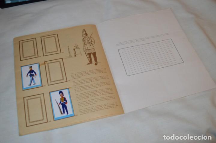 Coleccionismo Álbumes: ANTIGUO / VINTAGE - Álbum INFANTERÍA - Editorial RUIZ ROMERO - Años 60 - Buen estado - ¡Mira! - Foto 19 - 189253240