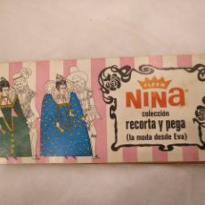 Coleccionismo Álbumes: ÁLBUM CHICLES FLEER. NINA COLECCIÓN RECORTA Y PEGA, LA MODA DESDE EVA. RUIROMER 1968. Lote 194248106