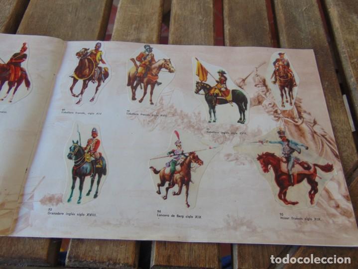 Coleccionismo Álbumes: ÁLBUM DE PANRICO EL MUNDO DE FURIA CABALLOS EN ACCION INCOMPLETO FALTAN 7 CROMOS - Foto 15 - 194341920