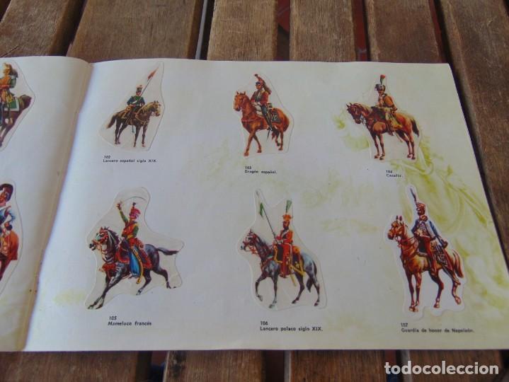 Coleccionismo Álbumes: ÁLBUM DE PANRICO EL MUNDO DE FURIA CABALLOS EN ACCION INCOMPLETO FALTAN 7 CROMOS - Foto 17 - 194341920