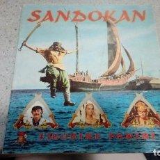 Coleccionismo Álbumes: ALBUM SANDOKAN FIGURINE PANINI 1976 BUEN ESTADO DE CONSERVACION TIENE 232 CROMOS PEGADOS.... Lote 194490130