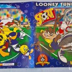 Coleccionismo Álbumes: ALBUM DE CROMOS LOONEY TUNES CON 3 CROMOS. Lote 194893023