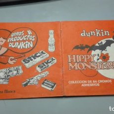 Coleccionismo Álbumes: DUNKIN HIPPY MONSTERS CON 71 CROMOS. Lote 195135496