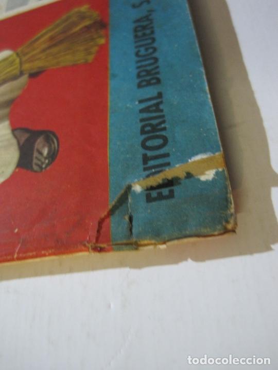 Coleccionismo Álbumes: FRAY ESCOBA-ALBUM CASI COMPLETO-FALTA 1 CROMO-EDITORIAL BRUGUERA-VER FOTOS-(V-20.034) - Foto 3 - 204330378