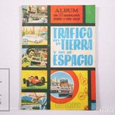 Coleccionismo Álbumes: ÁLBUM DE CROMOS INCOMPLETO - TRÁFICO EN LA TIERRA Y EN EL ESPACIO - 284 CROMOS - ARTFI, 1967. Lote 205107770