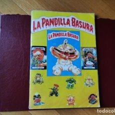 Coleccionismo Álbumes: ÁLBUM LA PANDILLA BASURA AMARILLO 1988 FALTA 1 CROMO. J. MERCHANTE. Lote 206426888