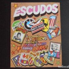 Coleccionismo Álbumes: ALBUM DE CROMOS, ESCUDOS, 1981, FALTAN 94 CROMOS, DIDEC. Lote 213804608