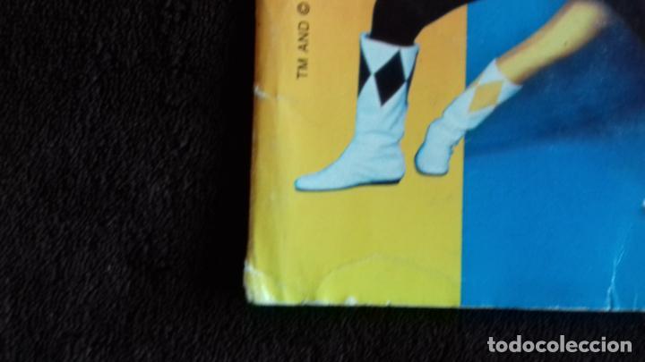 Coleccionismo Álbumes: POWER RANGERS SABANS. PANINI. 1996.ALBUM CROMOS INCOMPLETO - Foto 5 - 214502975
