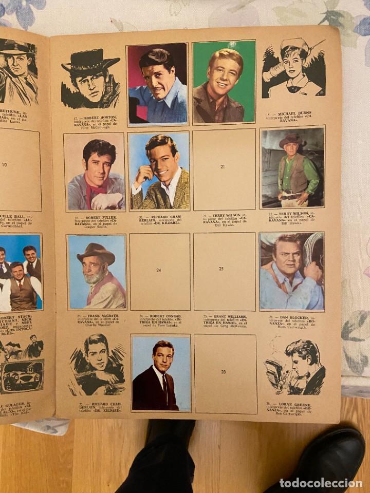 Coleccionismo Álbumes: FIGURAS DE LA T.V. ALBUM CON 05 CROMOS SE PUEDE LLEGAR A VENDER SUELTOS - Foto 2 - 221434162