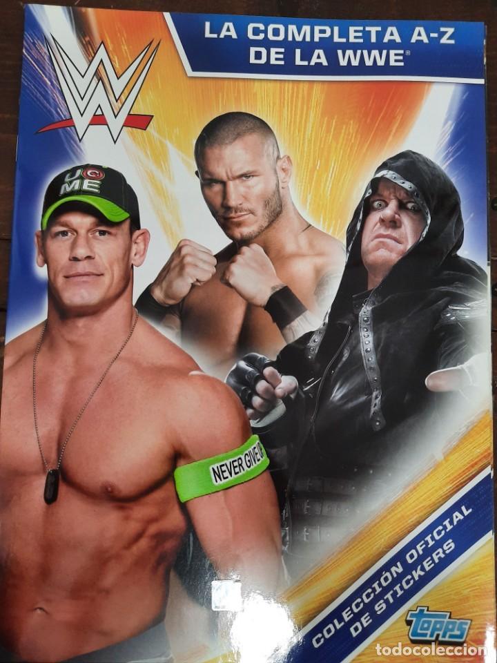 ALBUM DE CROMOS WWE: LA COMPLETA A-Z DE LA WWE - TOPPS (NUEVO) (Coleccionismo - Cromos y Álbumes - Álbumes Incompletos)