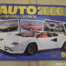 Coleccionismo Álbumes: ALBUM DE CROMOS INCOMPLETO AUTO 2000 POR COMIC CROMO - 1988. Lote 223339761
