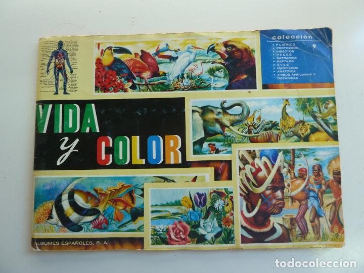 ÁLBUM INCOMPLETO. VIDA Y COLOR. CONTIENE 362 CROMOS (Coleccionismo - Cromos y Álbumes - Álbumes Incompletos)