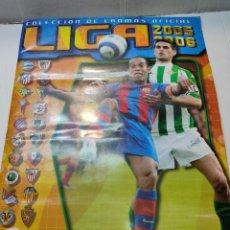 Coleccionismo Álbumes: ÁLBUM LIGA 2005/06 COLECCIONES ESTE 348 CON MUCHOS CROMOS Y COLOCAS MESSI,RAMOS,. Lote 271380278