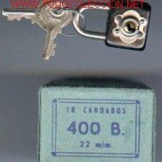 Antigüedades: CAJA CON 10 CANDADOS DEL EJÉRCITO ESPAÑOL,AÑOS45-60-. Lote 289016968