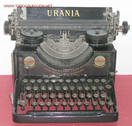 MAQUINA DE ESCRIBIR URANIA (Antigüedades - Técnicas - Máquinas de Escribir Antiguas - Otras)