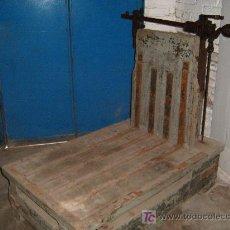 Antigüedades: ANTIGUA BASCULA DE ALMACEN - ENVIO GRATIS A CATALUÑA. Lote 27464309