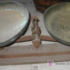Antigüedades: BÁSCULA DE 2 PLATOS, DE 10 KG. Lote 26608519