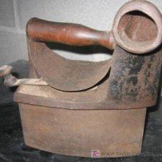 Antigüedades: PLANCHA DE CARBÓN. Lote 3997123
