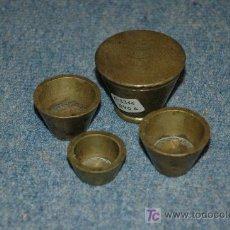Antigüedades: CUBILETES DE BRONCE PARA PESAR POLVO DE ORO. Lote 26515647