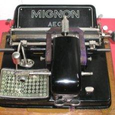 Antigüedades: MAQUINA DE ESCRIBIR MIGNON Nº 4 CON ESTUCHE DE MADERA. Lote 12388855