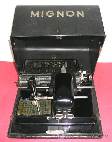 MAQUINA DE ESCRIBIR MIGNON Nº 3 CON ESTUCHE METALICO (Antigüedades - Técnicas - Máquinas de Escribir Antiguas - Mignon)