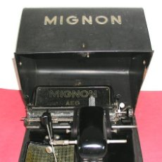 Antigüedades: MAQUINA DE ESCRIBIR MIGNON Nº 3 CON ESTUCHE METALICO. Lote 12388839