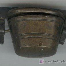 Antigüedades: JUEGO DE PESAS PARA MONEDAS EN CUBILETE BRONCE CON DIVERSAS MARCAS. Lote 27110507