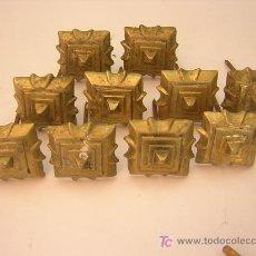 Antigüedades: DIEZ FANTASTICOS CLAVOS DE BRONCE PARA PUERTA SIGLO XIX, 5,5 X 5,5CM. Lote 26973216