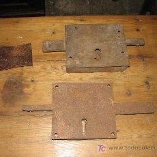 Antigüedades: ANTIGUAS CERRADURAS.. Lote 27038591