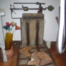 Antigüedades: BÁSCULA ANTIGUA. Lote 27018207
