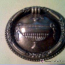 Antigüedades: TIRADOR DE BRONCE ANTIGUO Y MUY BONITO NUEVO SIN USAR. Lote 27393763