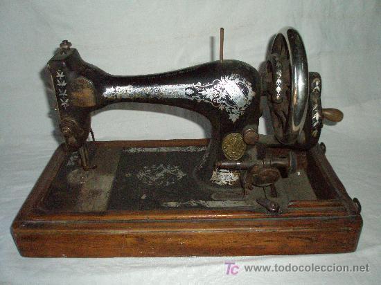 Antigüedades: MAQUINA COSER MANUAL MARCA SINGER - Foto 2 - 27381506