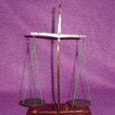 Antigüedades: BASCULA DE PRECISION FARMACIA ANTIGUA P.P.S PASADO C. 1900. Lote 12537578