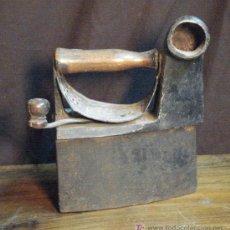 Antigüedades: PLANCHA DE HIERRO. Lote 18868290