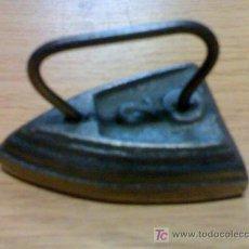 Antigüedades: PLANCHA PEQUEÑA. ANTIGUA DE COLECCION. Lote 34132955