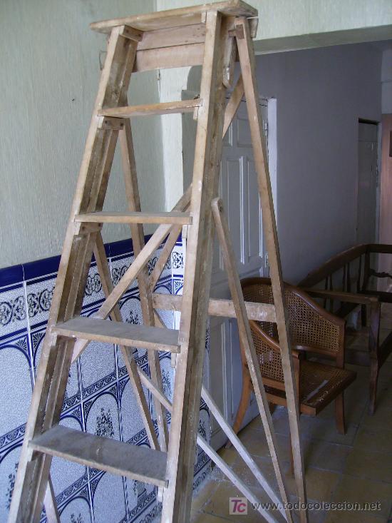 Preciosa escalera antigua de madera de haya al comprar for Escaleras 7 peldanos precio
