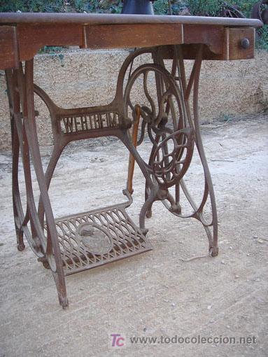 Antigüedades: Maquina de coser de la marca wertheim funciona - Foto 4 - 26146882