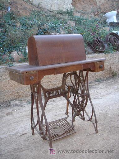 Antigüedades: Maquina de coser de la marca wertheim funciona - Foto 2 - 26146882