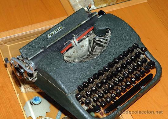 EJEMPLAR MUY CURIOSO MAQUINA ESCRIBIR PATRIA (Antigüedades - Técnicas - Máquinas de Escribir Antiguas - Patria)