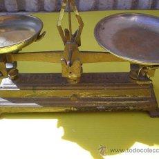 Antigüedades: PEQUEÑA BASCULA DE 1 KILO. Lote 8160956