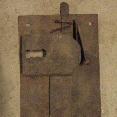 Antigüedades: CERRADURA DE 19 CMS, SIN LLAVE. Lote 8166947