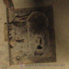 Antigüedades: CERRADURA DE 8 CMS, SIN LLAVE. Lote 8167041