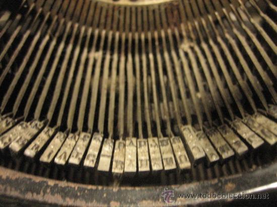 Antigüedades: Máquina de escribir Remington - Foto 5 - 23753999