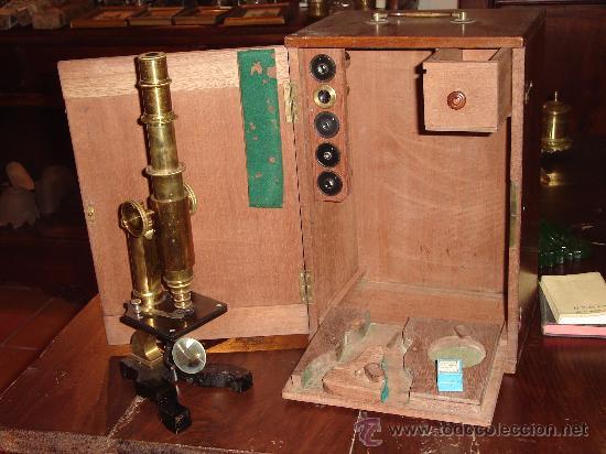 ANTIGÜO MICROSCOPIO ALEMÁN CON CAJA (Antigüedades - Técnicas - Instrumentos Ópticos - Microscopios Antiguos)