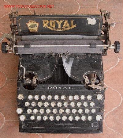 ANTIGUA MAQUINA DE ESCRIBIR MARCA ROYAL. (Antigüedades - Técnicas - Máquinas de Escribir Antiguas - Royal)