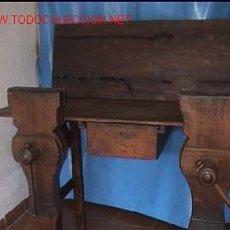 Antigüedades: BANCO DE TRABAJO GUARNICIONERO. Lote 26814587