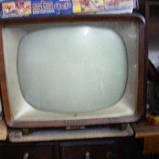 Antigüedades: TELEVISOR AÑOS 40. Lote 27427314