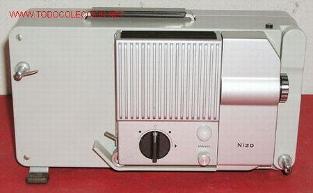 Antigüedades: PROYECTOR NIZO DE 8MM - Foto 2 - 10473780