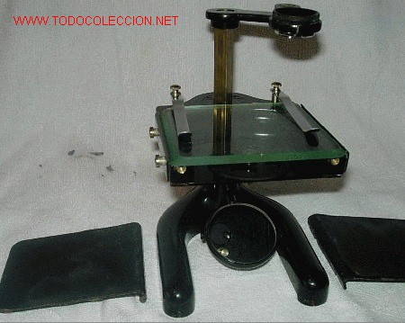 LUPA O MICROSCOPIO EN SU CAJA (Antigüedades - Técnicas - Instrumentos Ópticos - Microscopios Antiguos)